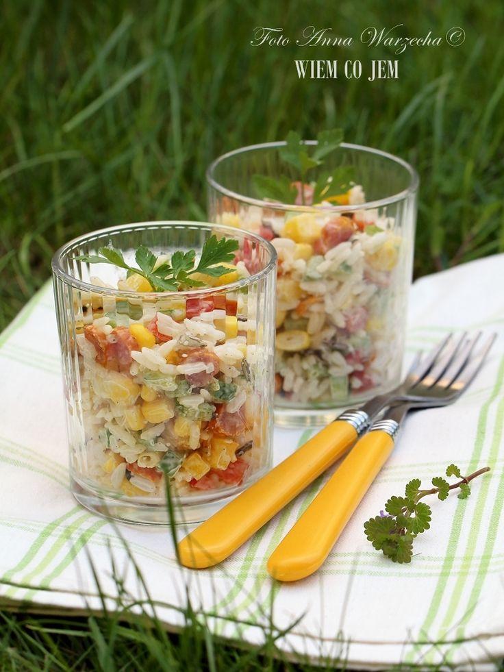 Wiem co jem - Sałatka piknikowa z kabanosami i ryżem