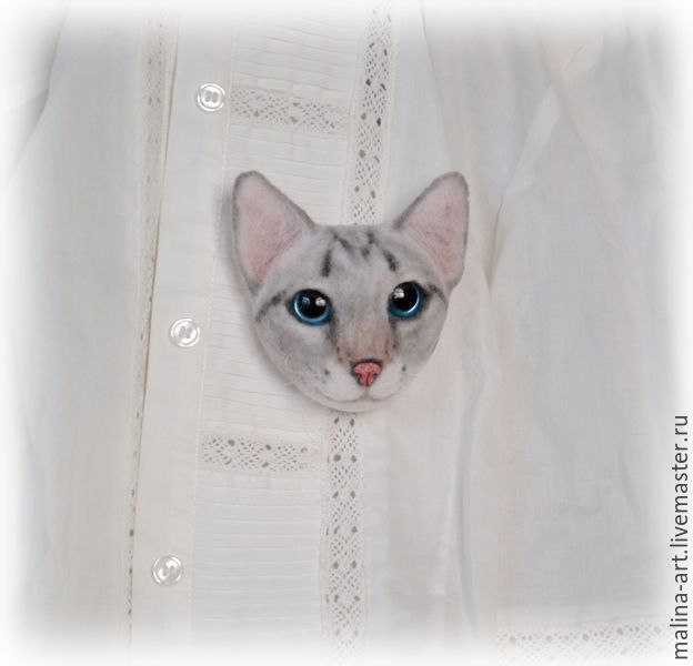 Купить Брошка-кошка (из войлока) - серый, крошка на ладошке, брошка кошка, брошка из войлока