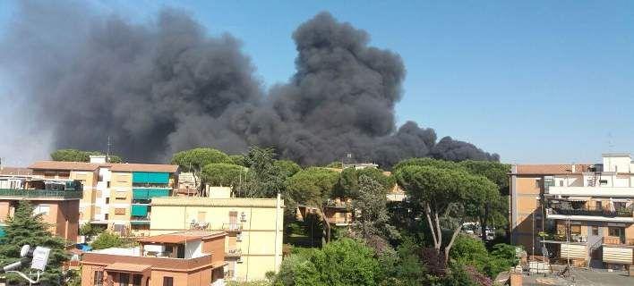 Μεγάλη φωτιά στη Ρώμη, πυκνοί καπνοί πάνω από το Βατικανό -Δείτε live [εικόνες & βίντεο]