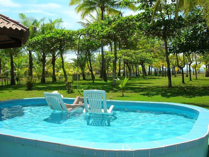 Fresh water pool to enjoy a drink and view of the ocean. Great for kids!