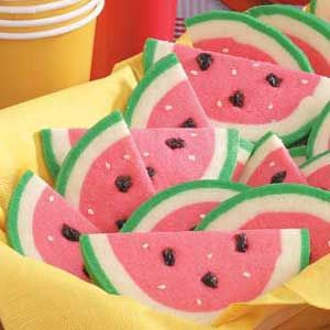 Watermelon Slice Cookies...so cute! WAnna try but w/chocolate chips, not raisins! lol