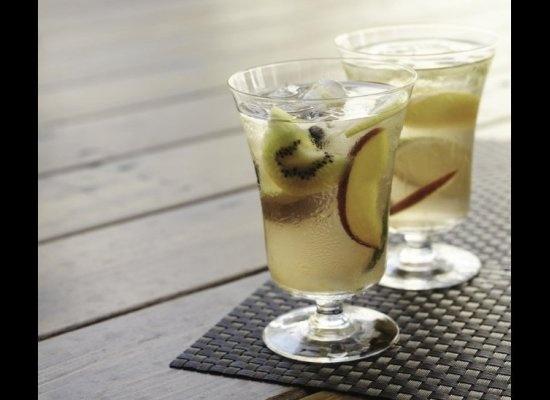 Modern (And Often Boozy) Takes On Iced TeaTeas Sangria, Sangria Cocktails, Decide Modern, White Teas, Iced Tea, Sangria Recipe, Drinks, Ice Teas, Classic Coolers