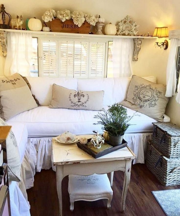 25 Farmhouse Camper Remodel Ideas You Should Try (1