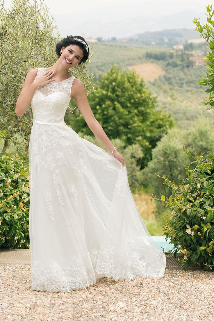 Brautkleid 16711 Maibritt mit Schleppe, Tüll mit Spitze