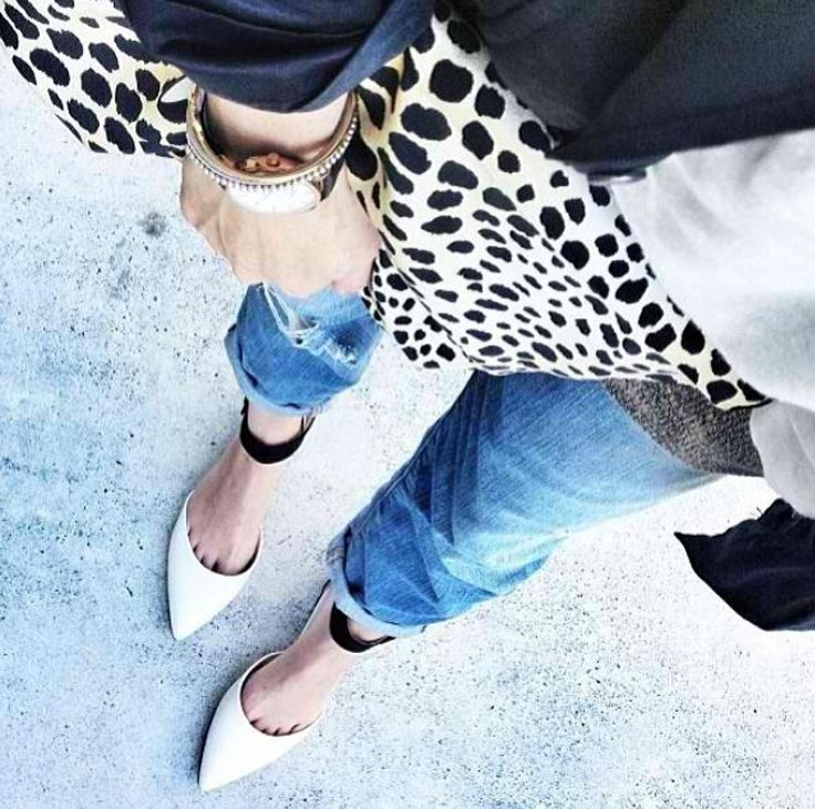 Black & white, denim & a featured print is my idea of the perfect outfit..