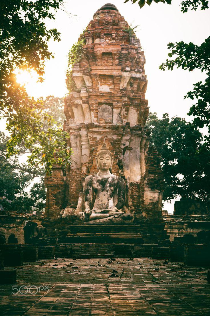 Glorious Ruins - The last ray at Wat Mahathat, Ayutthaya, Thailand.