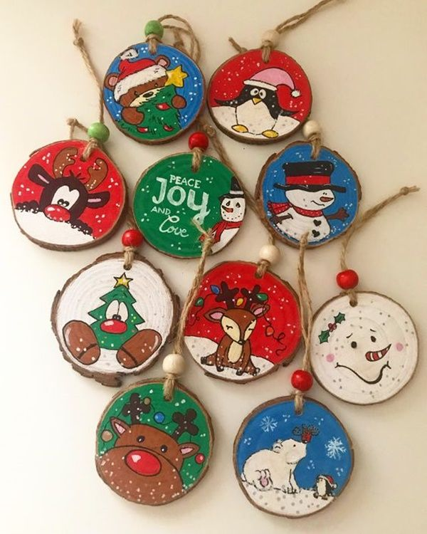 40 Amazing Wood Slice Painting Ideas For Beginners Greenorc Wood Christmas Ornaments Christmas Wood Diy Christmas Ornaments