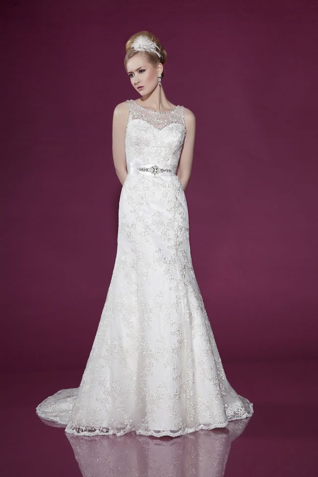The 2014 Benjamin Roberts collection is perfect for any bride-to-be