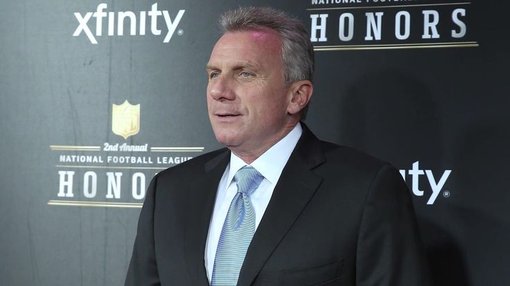 """Felger to Joe Montana: """"Show some class""""  Mike Felger criticizes Joe Montana for not saying Tom Brady is the greatest quarterback in NFL history."""