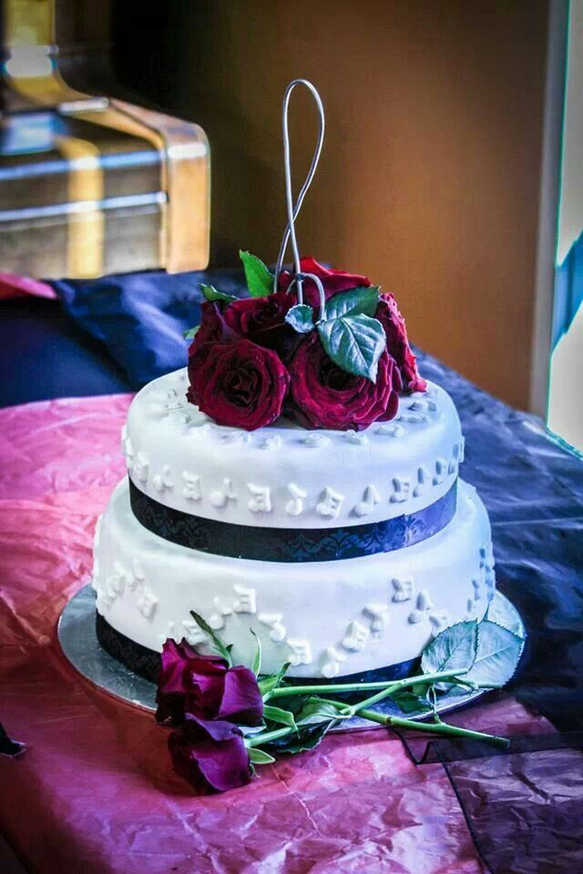 musical wedding cake