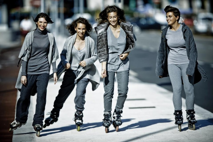Babara Rossi, (second from left, Powerslide FSK team Italy and Italian Woman Freestyle Champion 2012) with freestyle skate girls, Italy.