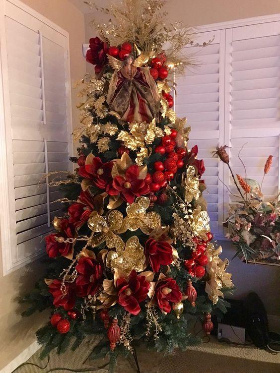 Arboles de navidad rojo y dorado decorados 2018 arboles de - Decorar arbol de navidad blanco ...