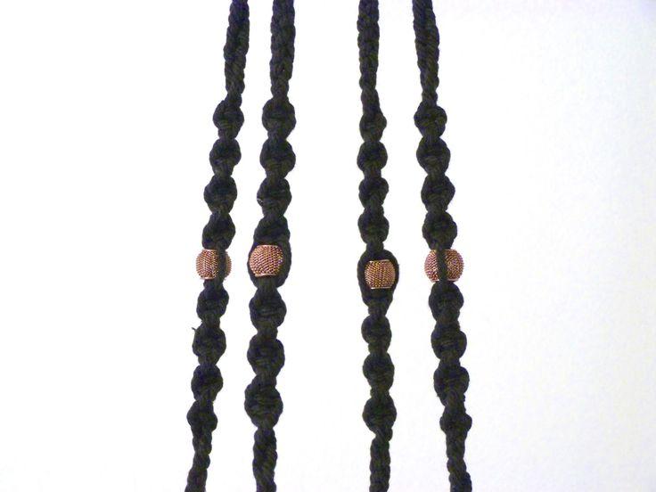 Modèle Cobanos ByMadjo Coton Noir, perles cuivrées et cache pot cuivré Suspension plante Suspension macramé