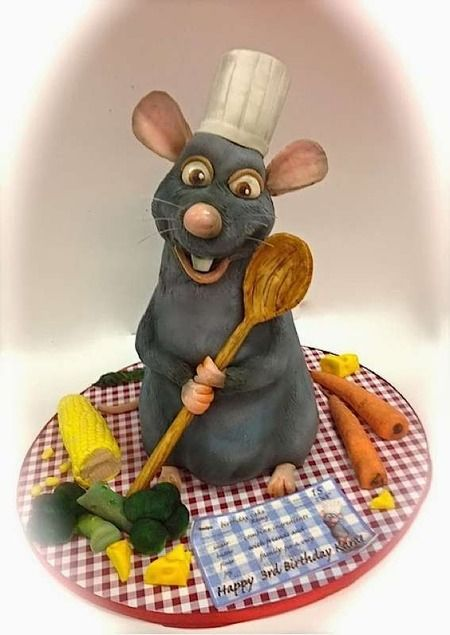 Remy came to life in this Disney's  Ratatouille inspired cake. Truly amazing!