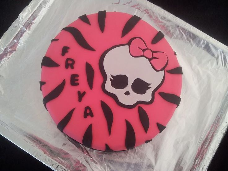 Monster High cake for Freya