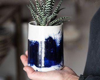 Keramik Übertopf In weiß und blau, Keramiktopf, saftigen Pflanzer, Luft-Anlage, Kaktus Pflanzer, Housewarminggeschenk, Outdoor-Pflanzer.