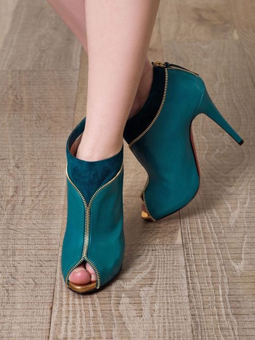 Christian LouboutinDesign Clothing, Louboutin Colzipp, Ankle Boots, Woman Shoes, High Heels, Christian Louboutin, Zippers, Designer Clothing, Christianlouboutin