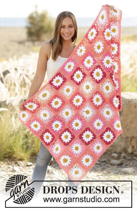 Uncinetto coperta in cotone motivo a fiori granny di Lallallero