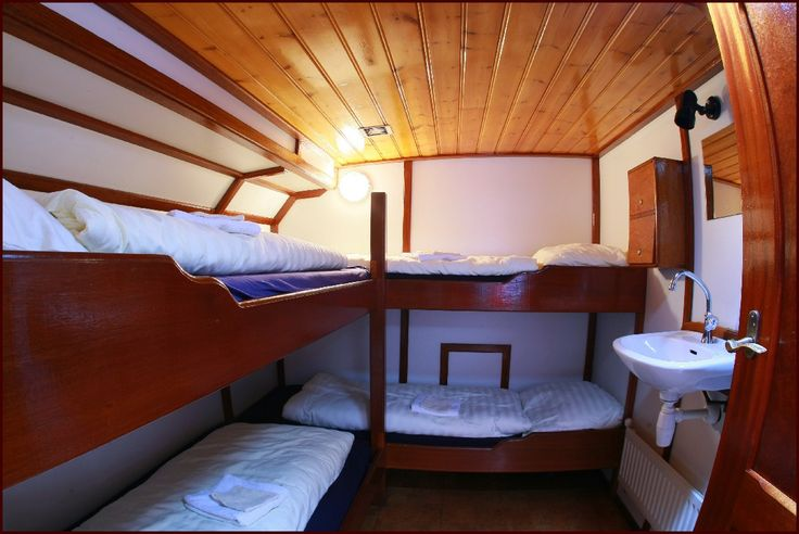 Bunkbeds on board the sailing charter vessel 'Linquenda'.