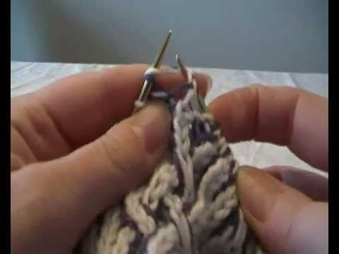 2-color_brioche - yo done at same time as stitch for every stitch across...interesting.