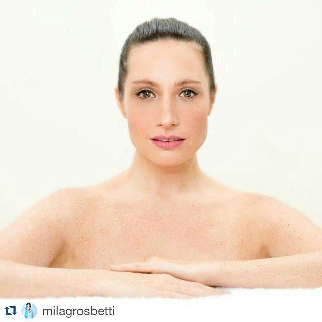 #Repost @milagrosbetti  ・・・  Buen Dia! Buen Miercoles!  Adelanto Beauty   Photos:@punctum_photos   Makeup:@ademercadomakeup   #beauty #photography #producción #model