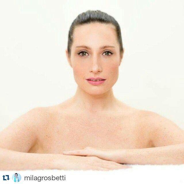 #Repost @milagrosbetti  ・・・  Buen Dia! Buen Miercoles!  Adelanto Beauty   Photos:@punctum_photos   Makeup:@ademercadomakeup   #beauty #photography #producción #model