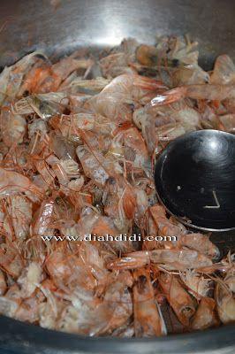 Diah Didi's Kitchen: Cara membuat Kaldu udang