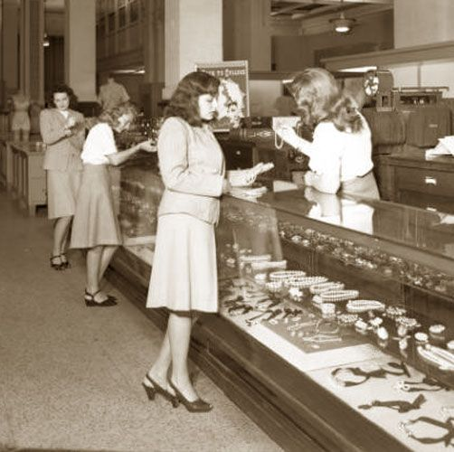 1940's fashion for women | 1940′s Department Store Fashion – Louisville | Glamourdaze