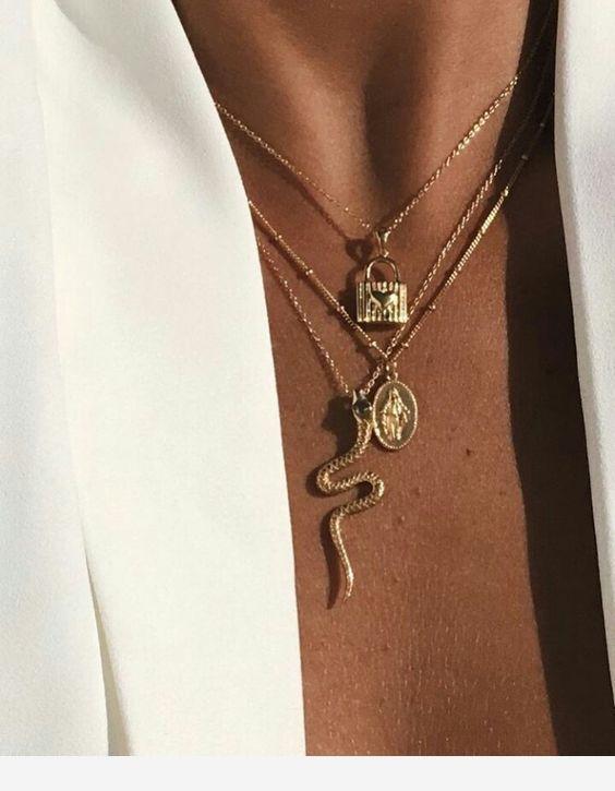 Collier fantaisie tendance 2019Voici les colliers fantaisie tendance 2019 à pet…