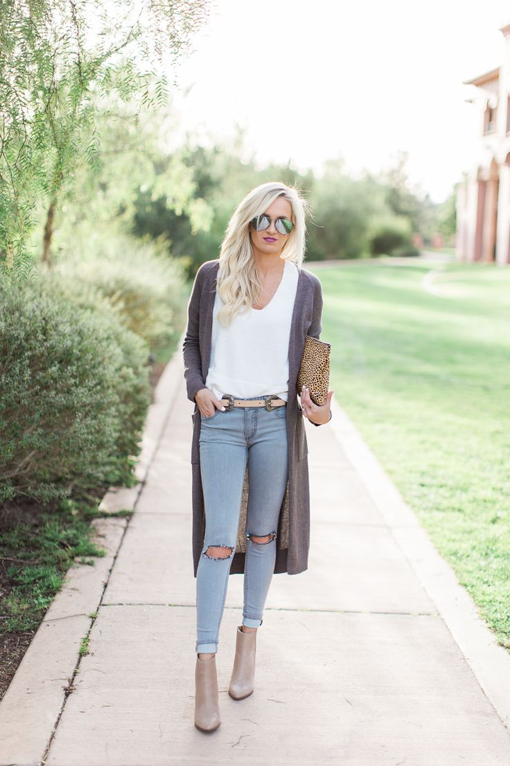 Photography by: Reality & Retrospect Top: Splendid | Cardigan: Urban Outfitters | Denim: Free People (old), similar here | Booties: Seychelles | Clutch: Sole Society, also love this similar! | Belt: Lovers + Friends | Sunglasses: Ray-Ban This long cardigan goes with just about anything and is perfect for a casual day! I love the …