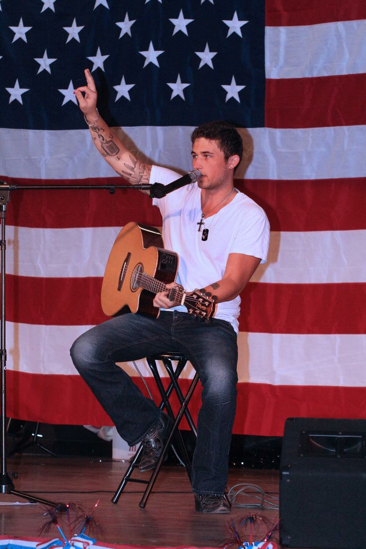 Michael Ray! Please vote for Michael Ray tonite on CW's The Next!!!! Isn't he so damn hot!!!!