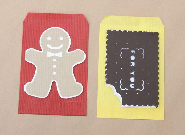 ☆XMAS FAIR SPECIAL☆ジンジャーブレッドマンをモチーフにしたクリスマスカードと普段使いできるかじりかけビスケットのカードのセットです。いずれも型から制作したオリジナルデザインです。クリスマス限定セットです。全粒粉(白クリーム)ジンジャーマンと四角いオレオビスケット(白クリーム)の2枚セットです。それぞれ赤と黄色のクッキー袋がつきます。いずれも中はブランクです。ビスケットカード...