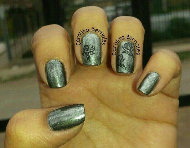 Efecto espejo uñas, esmalte tradicional,