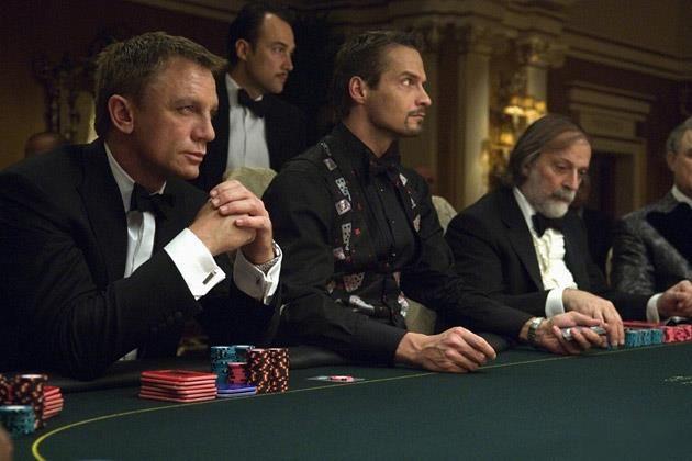 Костюмы в казино рояль