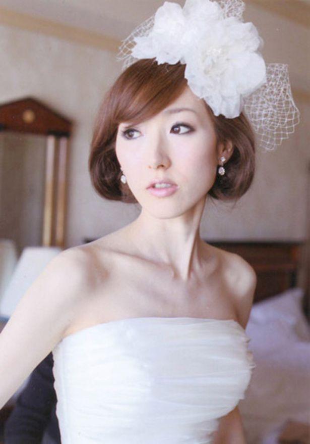 アクロシェ・クール ウェディングドレス・カラードレスに合う〜ボブの花嫁衣装の髪型まとめ一覧〜