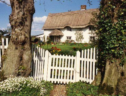 Thatched cottage www.waysidearteastanglia.me.uk