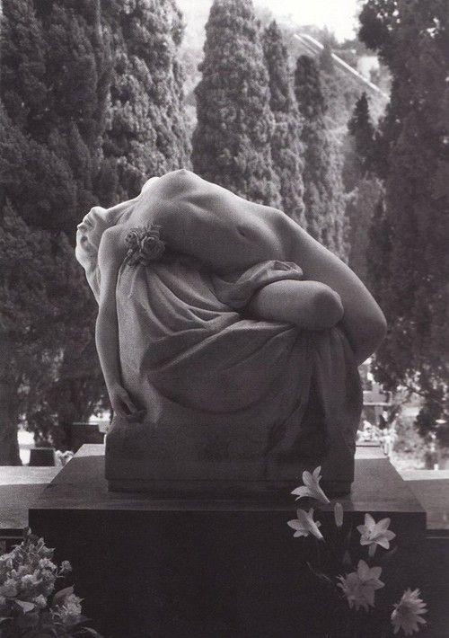 gravesite sculpture art | staglieno cemetery | Tumblr