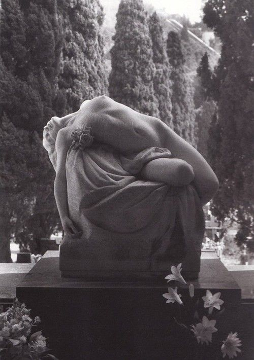 gravesite sculpture art | staglieno cemetery | Tumblr