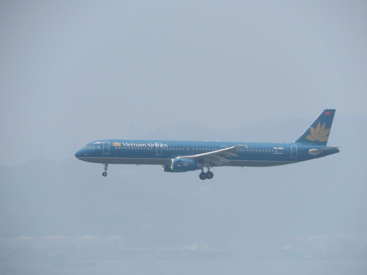 https://flic.kr/p/W5Nhdh | VN-A612 | Type: passenger jet Airlines: Vietnam airlines Manufacturer: airbus Airbus A321 A321-200 A321-231 321 C    Y    Total 16   168    184 2x IAE V2533-A5 msn: 6344 first flight: 28 oct 2014 production site: hamburg(XFW) test registration: D-AVXI Delivery date: 14 nov 2014 Flight: VN592 From Hanoi (HAN)