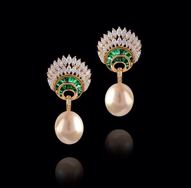 Farah Khan Ali- diamonds, emerald and pear
