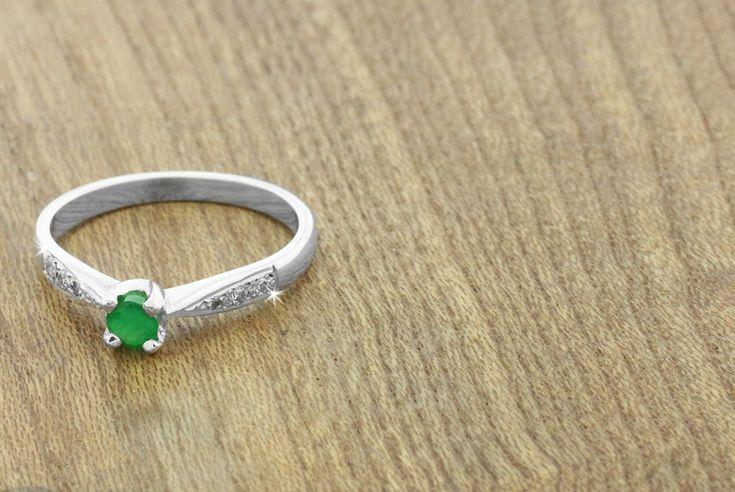 0.5ct Emerald & Diamond Ring