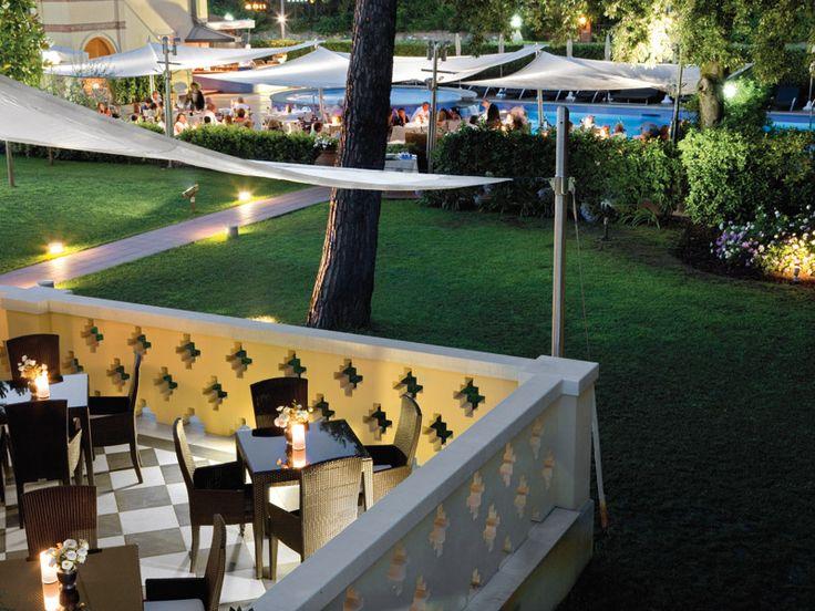 Dining at Hotel Byron in Forte dei Marmi