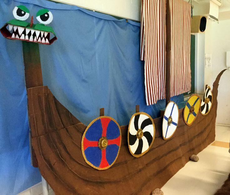 Viikinkilaiva pahvista
