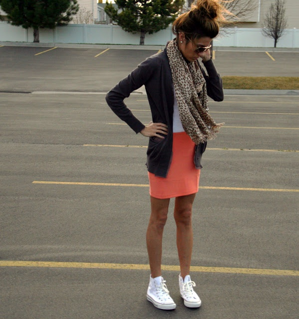 love the converse with the skirt :]