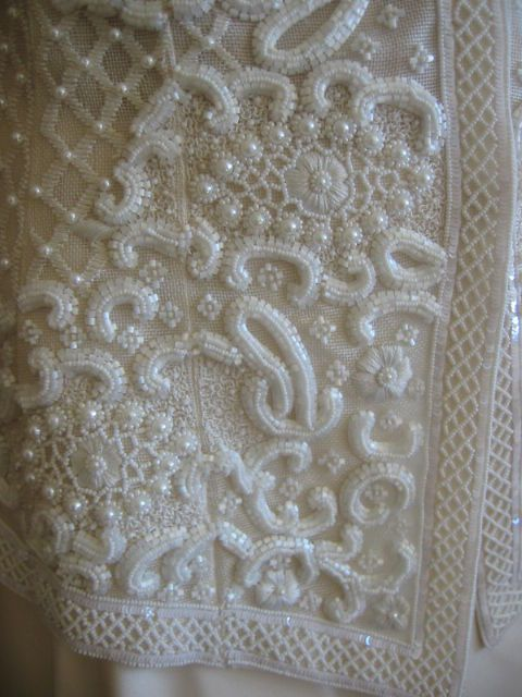 Another view of the Lesage embroidery on the Oscar de la Renta jacket.