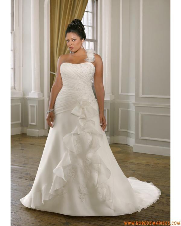 Robe A-ligne avec une bretelle amovible en satin et organdi ornée de plis et de perles robe de mariée grande taille