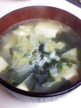 ★★ 卵とご飯入れて雑炊に。圧力鍋でやったら白菜がトロットロ。これは良い。  具沢山☆白菜豆腐入りワカメスープ