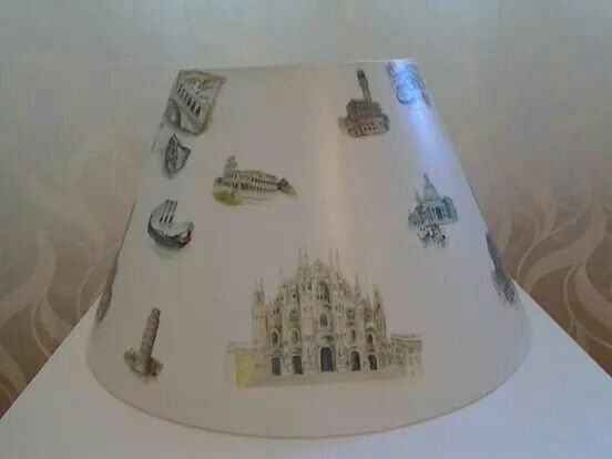 Hand decorated lampdhade
