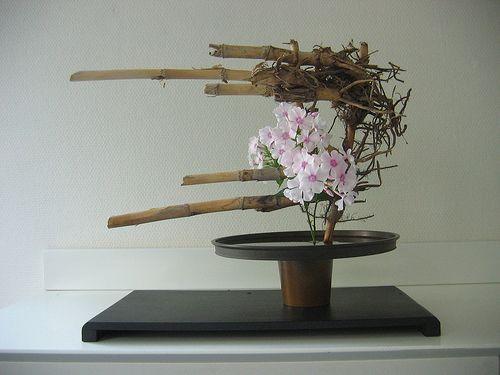 Freestyle Phlox and Bamboo | Ikebana by Jeroen Vermaas | Flickr