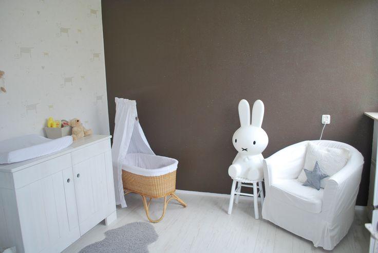 Babykamer met super leuke Nijntje lamp!